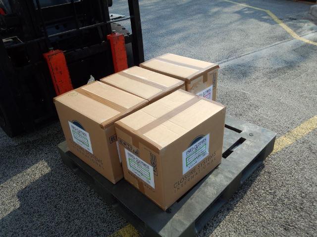 11月6日(水) 334-Bネットを通じて古着(男性用2箱・女性用1箱・子ども用1箱)を送りました。