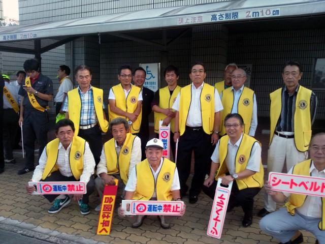 9月30日(月)17時~ 名張警察と他団体と共に、交通安全啓発活動